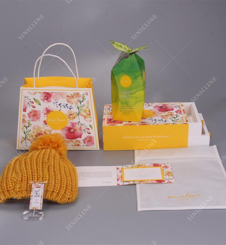 beanie packaging boxes and bags
